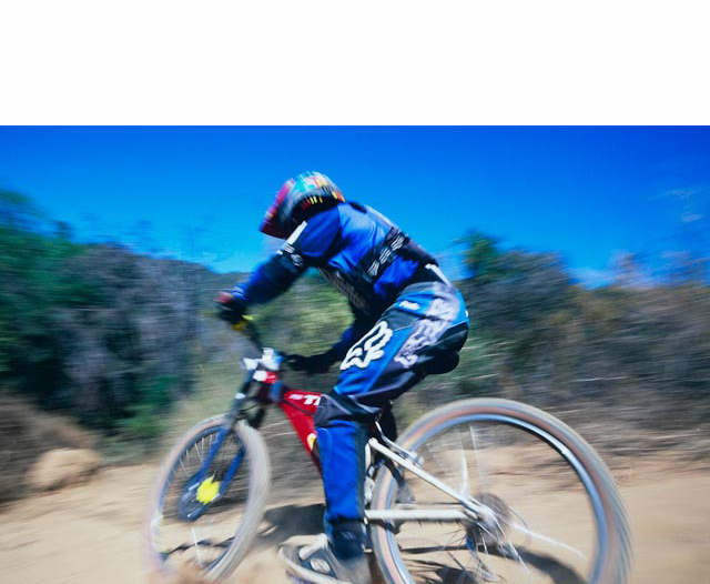 98CU0186-Mountain-biker-downhill-Edit